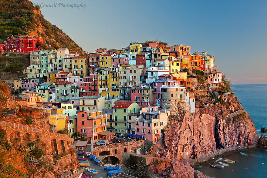 2015 The beautiful colors of Cinque Terre, Italy are at their best ...: alanmcconnellphoto.photoshelter.com/image/I0000xakxqqu.8g0