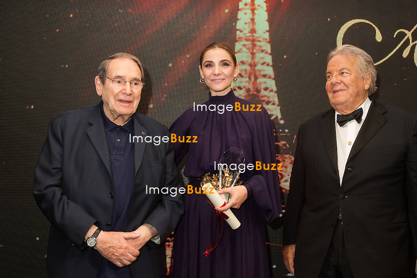 Robert Hossein, Clotilde Courau &amp; Massimo Gargia : &quot; The Best &quot; 40th Edition &agrave; l'h&ocirc;tel George V.<br /> France, Paris, 27 janvier 2017.<br /> ' The Best ' 40th Edition at the George V hotel in Pais.<br /> France, Paris, 27 January 2017
