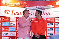 SCHAATSEN: HEERENVEEN: 01-10-2014, IJsstadion Thialf, Perspresentatie Team Corendon, Jan van Veen (hoofdtrainer/coach), Presentator Jan van der Meulen, ©foto Martin de Jong