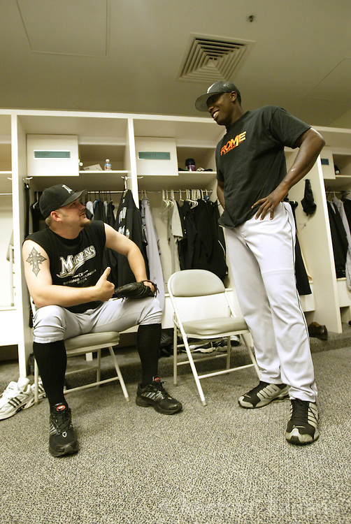 SAN FRANCISCO - MAY 1:  Brad Penny and Dontrelle Willis of the Florida Marlins during the MLB game against the San Francisco Giants at SBC Park on May 1, 2004 in San Francisco, California. The Giants defeated the Marlins 6-3. (Photo by Michael Zagaris/MLB Photos via Getty Images)