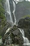 Foto: VidiPhoto..SOGNE - Een waterval in de buurt van de Sognefjord in Noorwegen..