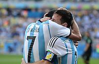 FUSSBALL WM 2014  VORRUNDE    GRUPPE F     Argentinien - Iran                         21.06.2014 JUBEL Argentinien;  Angel di Maria(li) umarmt Lionel Messi nach seinem Treffer zum 1:0