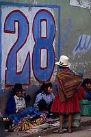 Amérique/Amérique du Sud/Pérou/Urcos : Portraits sur le marché