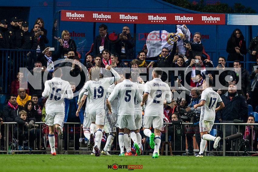 Real Madrid's Mateo Kovacic Luka Modric Raphael Varane Daniel Carvajal Lucas Vazquez Cristiano Ronaldo during the match of La Liga between Atletico de Madrid and Real Madrid at Vicente Calderon Stadium  in Madrid , Spain. November 19, 2016. (ALTERPHOTOS/Rodrigo Jimenez) /NORTEPHOTO.COM