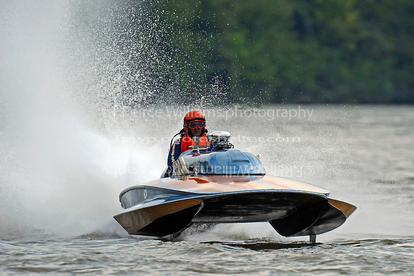 """H-202 """"Heavy Duty"""" (1964 Lauterbach 7 Litre/Grand Prix hydroplane)"""