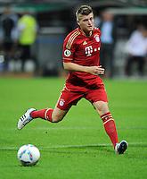 FUSSBALL   DFB POKAL   SAISON 2011/2012  1. Hauptrunde Eintracht Braunschweig - FC Bayern Muenchen   01.08.2011 Toni KROOS (FC Bayern Muenchen) Einzelaktion am Ball