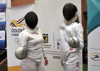 BOGOTA – COLOMBIA – 17 – 05 – 2017 Nathalia Lozano (Izq.) y Maria del Mar Nusa (Der.), esgrimistas colombianas, durante presentación del Grand Prix de Esgrima Bogota 2017. Cerca de 400 deportistas del mundo estarán participando en la parada prevista del 26 al 28 de mayo del presente año, en la capital de la republica, que otorgan puntos para el ranking mundial, cerca 250 hombres y 150 mujeres de 50 paises, entre los que se pueden contar a Corea, Francia, Rusia, Hungria y Estados Unidos. / Nathalia Lozano (L) and Maria del Mar Nusa (R), Colombian fencers, during during the presentation of the Grand Prix of Fencing Bogota 2017. About 400 athletes of the world will be participating in the planned stop from May 26 to 28 of this year, in the capital of the republic, which award points for the world ranking, about 250 men and 150 women from 50 countries, including Korea, France, Russia, Hungary and the United States. / Photo: VizzorImage / Luis Ramirez / Staff.