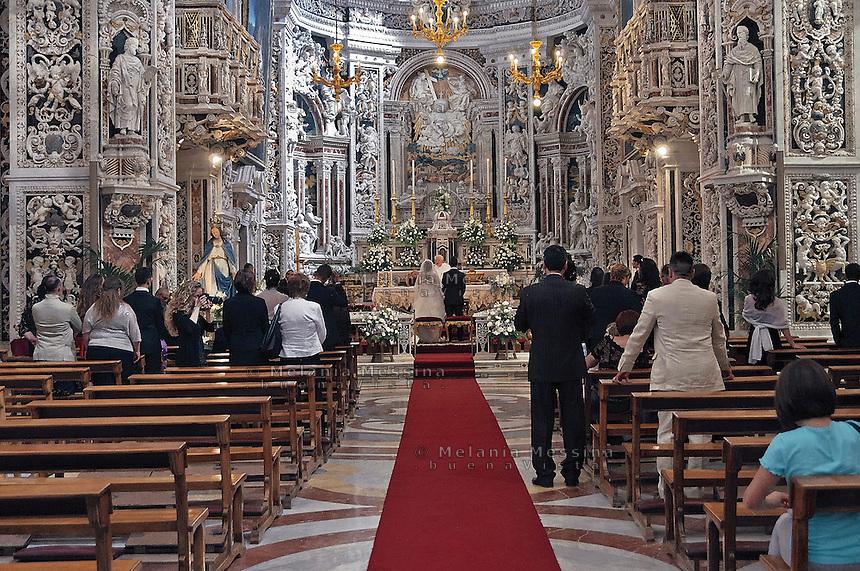 """Palermo: wedding cerimony in """"Del Gesù church""""..Palermo: matrimonio nella chiesa del Gesù"""