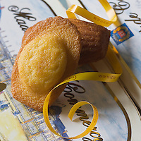 Europe, France, Lorraine, 55, Meuse, Commercy: Madeleines de Commercy - Stylisme : Valérie LHOMME //   Europe, France, Lorraine, Meuse, Commercy: Commercy Madeleines  - Styling: Valérie LHOMME
