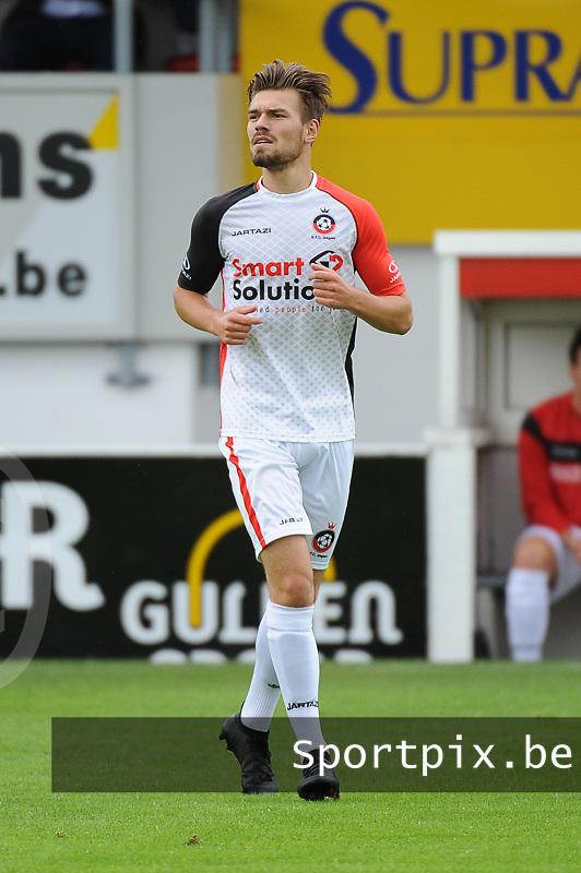 FC Izegem : Daymon Billiet<br /> <br /> Foto VDB / Bart Vandenbroucke