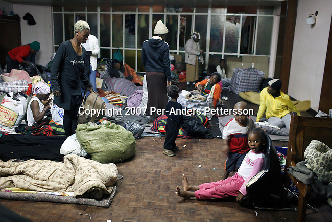 zimbabwean refugees in south africa Over a period of five days in december, south africa's department of home affairs deported 3067 zimbabwean nationals for allegedly flouting immigration regulations.