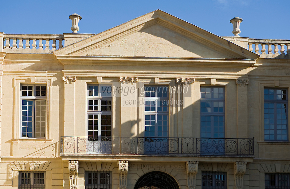 Europe/France/Languedoc-Roussillon/30/Gard/ Uzès: l'Hôtel de Ville et sa facade 18° siècle