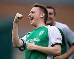 Derek Riordan celebrates his goal for Hibs