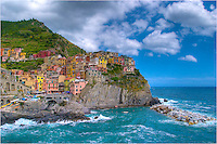 Afternoon in Manarola, Italy, in the Cinque Terre, means time for some gellato! Find a good park bench and enjoy the grand views of the Ligurian Coast and the 5 Terre.