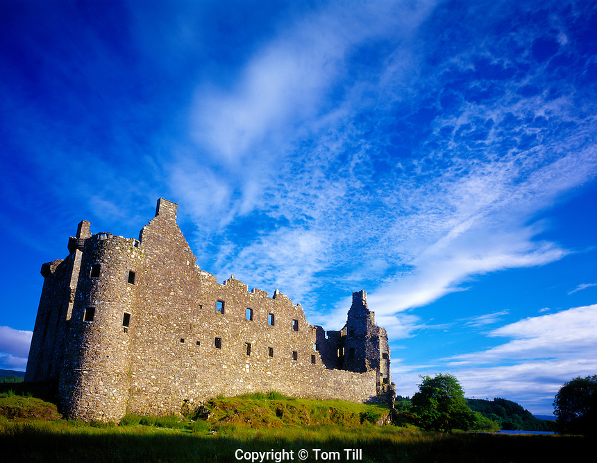 Kilchurn Castle Loch Awe, Scotland, United Kingdom Argyll Region  Campbell stronghold abandoned 1760