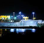 La Central nuclear de Almaraz es una central nuclear situada en el término municipal de Almaraz en Cáceres, en la comarca natural Campo Arañuelo y refrigerada por el río Tajo. Es del tipo PWR y pertenece a las empresas Iberdrola, Unión Fenosa y Endesa. Tiene dos reactores: Almaraz I de 973.5 MW y Almaraz II de 982.6 MW. 05 Abril 2011(c)Pedro ARMESTRE