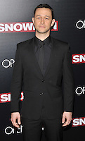 New York,NY-September 13: Joseph Gordon-Levitt attends the 'Snowden' New York premiere at AMC Loews Lincoln Square on September 13, 2016 in New York City. @John Palmer / Media Punch