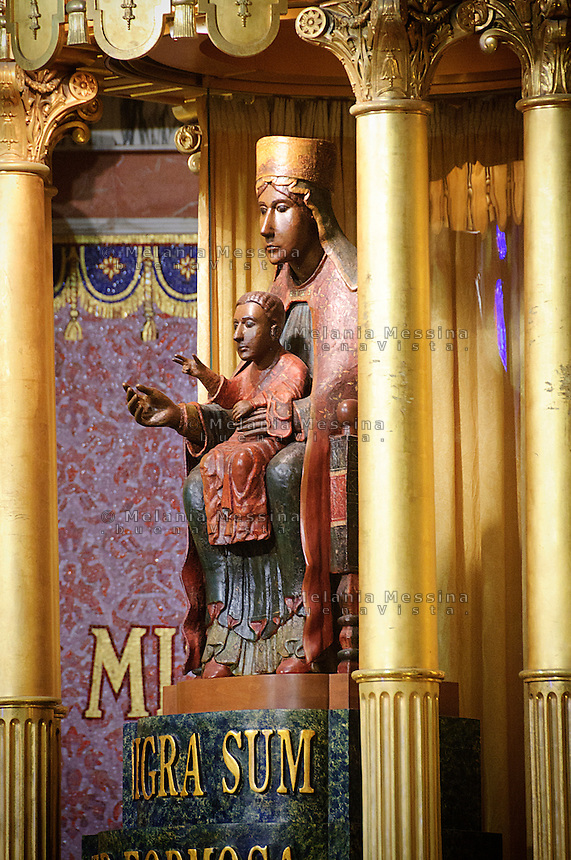Statua della Madonna nera di Tindari.Black Madonna of Tindari sanctuary.