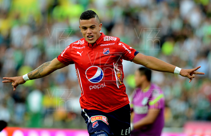 MEDELLÍN -COLOMBIA-8-MAYO-2016.Leonardo Castro de  Medellin celebra su gol contra Nacional  durante partido por la fecha 17 de Liga Águila I 2016 jugado en el estadio Atanasio Girardot ./ Leonardo Castro of  Medelllin celebrates his goal against Nacional  during the match for the date 17 of the Aguila League I 2016 played at Atanasio Girardot  stadium in Medellin . Photo: VizzorImage / León Monsalve  / Contribuidor