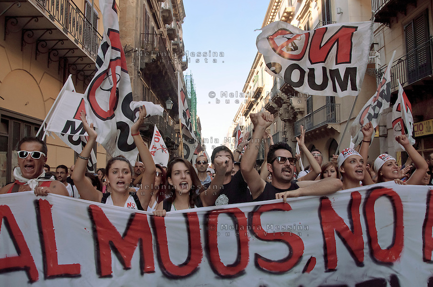 Palermo: demonstration against the construction of MUOS by USA in Sicily.<br />