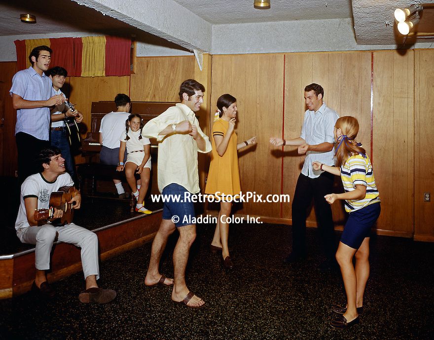 New Brighton Hotel, Parksville, NY. Teenagers Dancing