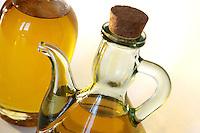 Olio di oliva. Olive oil..