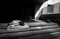 Roma 1996<br /> Senza fissa dimora dormono sui marciapiedi in Via Giolitti vicino alla Stazione Termini