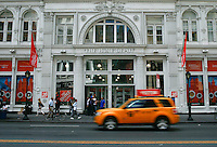 New York, USA. 19 August 2014. General view of the entrance of the Home Depot store at 23rd street while Home Depot company prepares its Quarterly results at the Stock Exchange in New York.  Eduardo Muñoz Alvarez/VIEWpress