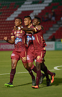 IBAGUÉ -COLOMBIA, 19-03-2017. Danovis Banguero (Izq) jugador del Deportes Tolima celebra después de anotar un gol a Atletico Huila durante partido por la fecha 10 de la Liga Águila I 2017 jugado en el estadio Manuel Murillo Toro de Ibagué. / Danovis Banguero (L) player of Deportes Tolima celebrates after scoring a goal to Atletico Huila during match for date 10 of the Aguila League I 2017 played at Manuel Murillo Toro stadium in Ibague city. Photo: VizzorImage / Juan Carlos Escobar / Cont