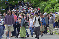 Fans, Deadheads, heading in. Before The Dead play in concert at Saratoga Performing Arts Center 20 June 2003