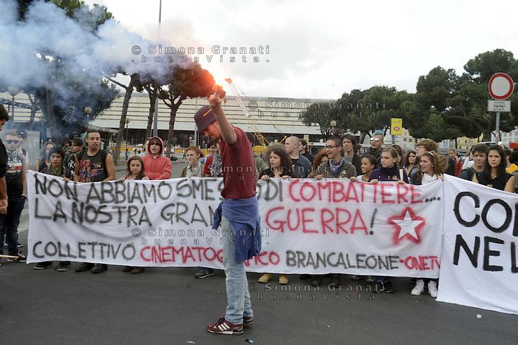 .Roma, 27 Ottobre 2012.Manivestazione contro i tagli e la politica del governo Monti.