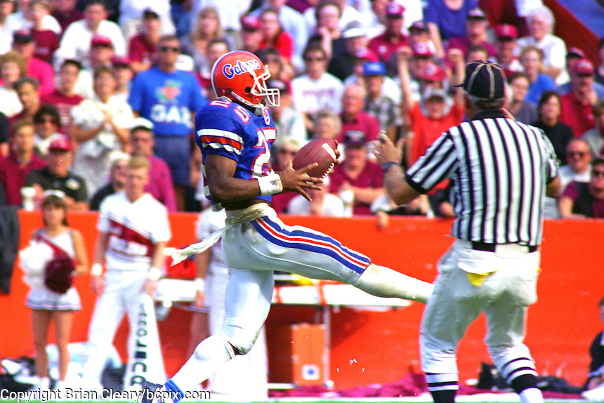 Elijah Williams, (25), University of Florida Gators defeat the University of South Carolina Gamecocks 48-17 at Ben Hill Griffin Stadium, Florida Field, Gainseville, Florida, November 12, 1994 . (Photo by Brian Cleary/www.bcpix.com)