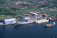 Deutschland, Scleßwig- Holstein, Rendsburg, Kröger Werft, Werft, Schiffbau, Schiff der Bundesmarine in der Werft, Nord- Ostseekanal