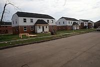 1991 March ..HUD Foreclosed Property...DANIEL GARDENS.EXTERIOR...NEG#.NRHA#..