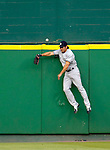 16 June 2006: Johnny Damon, center fielder for the New York Yankees, is unable to pull in a homer against the Washington Nationals at RFK Stadium, in Washington, DC. The Yankees defeated the Nationals 7-5 in the first meeting of the two franchises...Mandatory Photo Credit: Ed Wolfstein Photo...