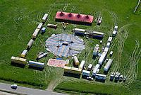 Circus: EUROPA, DEUTSCHLAND, MECKLENBURG VORPOMMERN  (GERMANY), 15.05.2008:Deutschland, Mecklenburg Vorpommern,  Barth, der Zirkus, Circus kommt, Wagenburg, Zelt, aufbauen, Fahrendes Volk, Circus Barlay, Luftaufnahme, Luftbild, Luftansicht, .c o p y r i g h t : A U F W I N D - L U F T B I L D E R . de.G e r t r u d - B a e u m e r - S t i e g 1 0 2, 2 1 0 3 5 H a m b u r g , G e r m a n y P h o n e + 4 9 (0) 1 7 1 - 6 8 6 6 0 6 9 E m a i l H w e i 1 @ a o l . c o m w w w . a u f w i n d - l u f t b i l d e r . d e.K o n t o : P o s t b a n k H a m b u r g .B l z : 2 0 0 1 0 0 2 0  K o n t o : 5 8 3 6 5 7 2 0 9.C o p y r i g h t n u r f u e r j o u r n a l i s t i s c h Z w e c k e, keine P e r s o e n l i c h ke i t s r e c h t e v o r h a n d e n, V e r o e f f e n t l i c h u n g n u r m i t H o n o r a r n a c h M F M, N a m e n s n e n n u n g u n d B e l e g e x e m p l a r !.