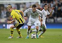FUSSBALL  CHAMPIONS LEAGUE  HALBFINALE  RUECKSPIEL  2012/2013      Real Madrid - Borussia Dortmund                   30.04.2013 Marco Reus (li, Borussia Dortmund) gegen Mesut Oezil (re, Real Madrid)