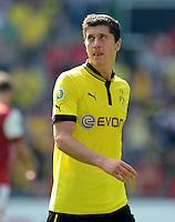 FUSSBALL   DFB POKAL   SAISON 2012/2013   1. Hauptrunde FC Oberneuland - Borussia Dortmund            18.08.2012 Robert Lewandowski (Borussia Dortmund)