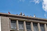 Roma, 12 Ottobre  2013. <br /> Terzo  tsunami tour per il diritto all'abitare, contro gli sfratti,dei movimenti per il diritto alla casa ha occupato 8 stabili vuoti ed abbandonati centinaia di  persone prendono casa. Occupati 2 edifici a Piazza Indipendenza.  Il Coordinamento di lotta per la casa, con 600 rifugiati ha occupato l'ex Agenzia per la protezione dell'ambiente