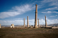 In 1996 the five Menar e Herat in west of Afghanistan. .On the left, the Mausoleum of the queen Gawhar-Shad, dead in 1457 and of the poet Giami, dead in 1492.