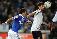 FUSSBALL   1. BUNDESLIGA   SAISON 2011/2012    9. SPIELTAG FC Schalke 04  - 1. FC Kaiserslautern                      15.10.2011 RAUL (li, Schalke) gegen Florian DICK (re, Kaiserslautern)