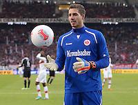 FUSSBALL   1. BUNDESLIGA  SAISON 2012/2013   9. Spieltag   VfB Stuttgart - Eintracht Frankfurt      28.10.2012 Torwart Kevin Trapp (Eintracht Frankfurt) mit Ball