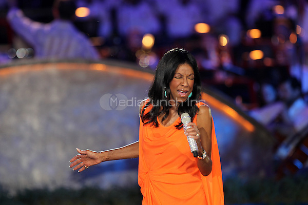Natalie Cole performs as part of the rehersals for the National Capitol Memorial Day Concert on the lawn of the U.S Capitol in Washington, D.C MPI34 / Mediapunchinc