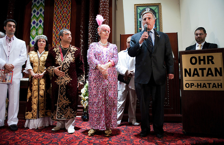 UNITED STATES - AUGUST 29:  David Weprin, democratic candidate for the seat of New York's 9th congressional district, addresses a gathering of the Ohr Natan congregation of Bukharan Jews in the Rego Park section of Queens.  The special election will be held on September 13, 2011, to fill the seat vacated by former congressman Anthony Weiner.  (Photo By Tom Williams/Roll Call)
