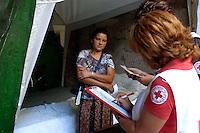 Roma 23 Luglio 2008.Censimento della Croce Rossa al Campo Rom di via Luigi Ercole Morselli alla Magliana abitato da rom romeni situato sotto un ponte ferroviario..Census of the Red Cross on Rom's camp under a railway bridge inhabited from Romanian Romani