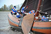 ZEILSPORT: LANGWEER: 22-04-2017, Skûtsjesilen Langweer, Skûtsje Freonskip (Blauhús), ©foto Martin de Jong