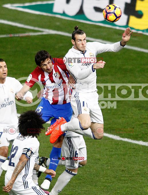 Atletico de Madrid's Stefan Savic (l) and Real Madrid's Garet Bale during La Liga match. November 19,2016. (ALTERPHOTOS/Acero) /NORTEPHOTO.COM