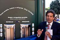 Roma 10 Settembre 2015<br /> Inaugurata  la nuova &laquo;Casa dell'Acqua&raquo;  Acea, di fronte al Colosseo, una vera fontana hi-tech, dove si pu&ograve; bere gratuitamente acqua fresca a 9 gradi, sia naturale che gassata. Inoltre &egrave; possibile ricaricare cellulari e tablet. Alberto Irace, Amministratore Delegato  Acea <br /> Rome September 10, 2015<br /> Inaugurated the new &quot;Water House&quot; Acea, in front of the Colosseum, a real hi-tech fountain, where you can drink free fresh water at 9 degrees, both natural and carbonated. It is also possible to recharge phones and tablets. Alberto Irace, CEO Acea
