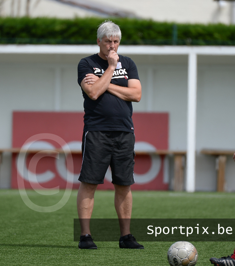 20150808 - ZULTE , BELGIUM : Zulte's head coach Jean-Marie Saeremans pictured during a friendly soccer match between the women teams of Zulte-Waregem and RSC Anderlecht  , during the preparations for the 2015-2016 SUPERLEAGUE season, Saturday 8 August 2015 . PHOTO DAVID CATRY