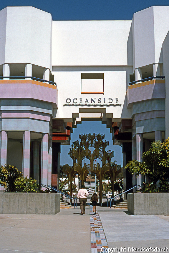Charls Moore: Oceanside City Hall. (Photo '91)
